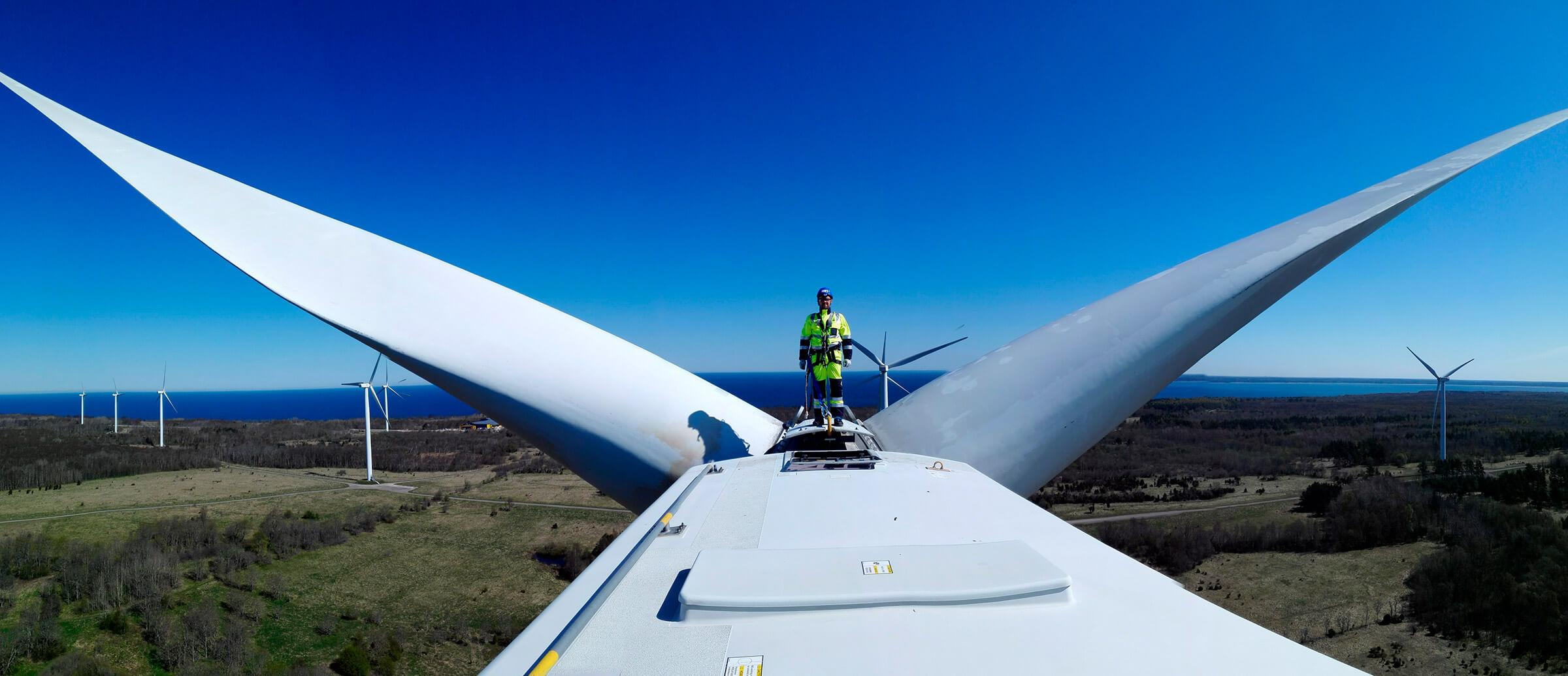 Elektros tinklo darbai / Vėjo jėgainės